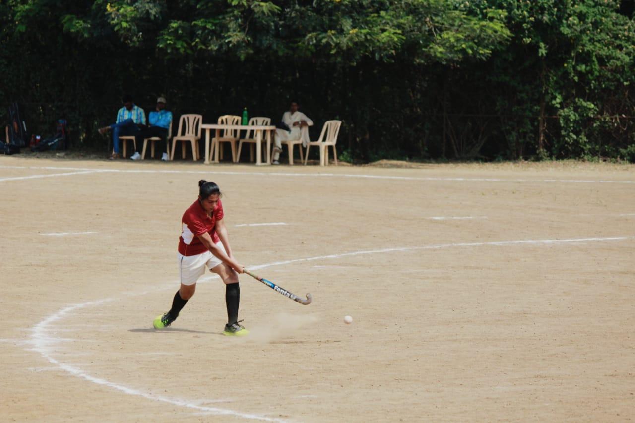 Manikarnika Ganapate gets selected in Shivaji University hockey team